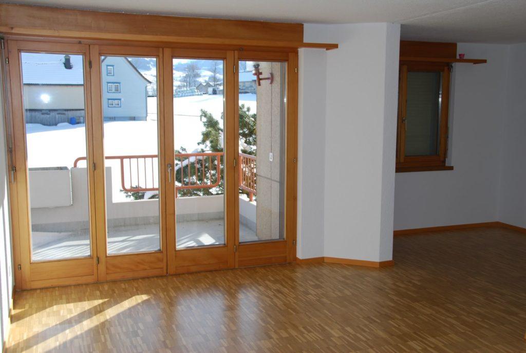 2 Zimmerwohnung im 1. OG mit Balkon [L16]