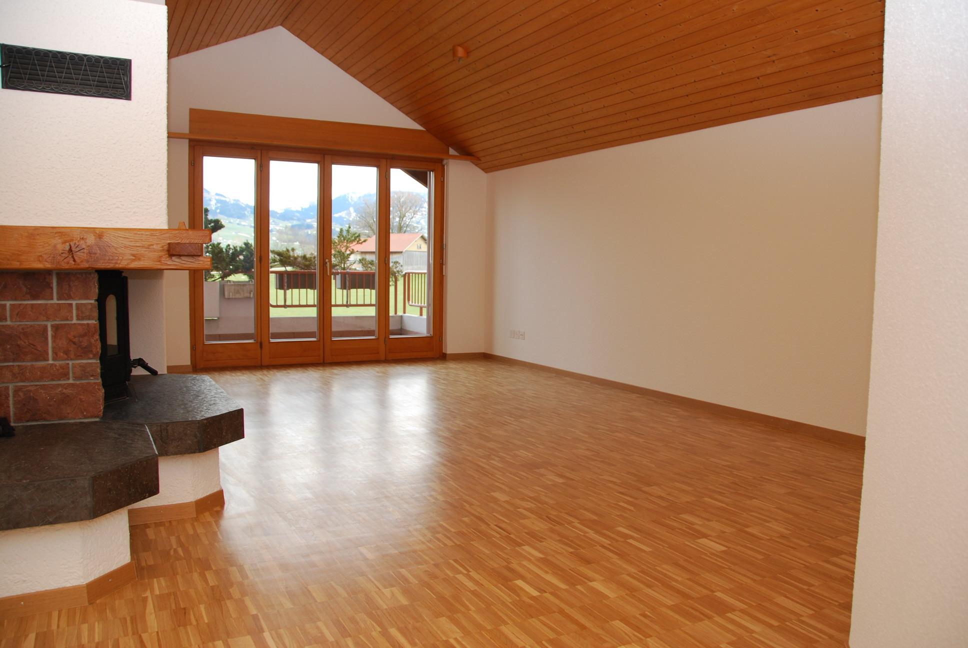 3.5 Zimmerwohnung mit Balkon und Warmluft-Cheminee [W33]