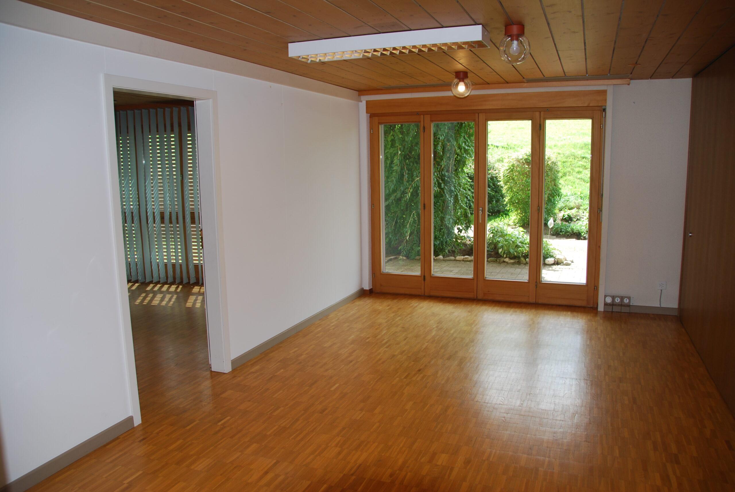 2 Zimmer-Studio für gewerbliche Zwecke (Büro oder stilles Gewerbe) im EG