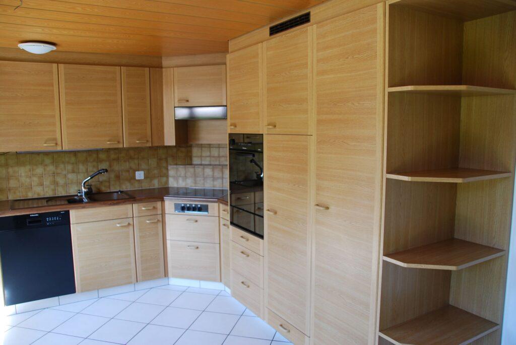 4.5 Zimmerwohnung neu renoviert mit Gartensitzplatz (A1)