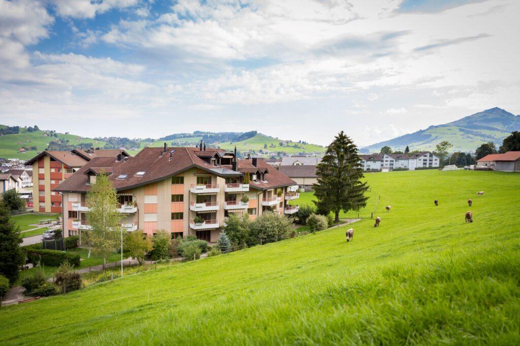 4.5 Zimmerwohnung mit Gartensitzplatz (A1)