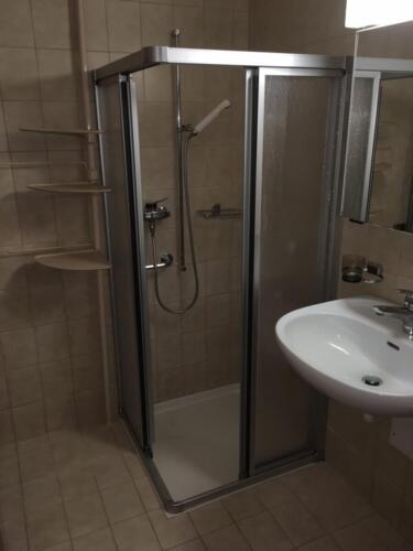 WC/Dusche (Bild von Whg oberhalb im 1.OG)